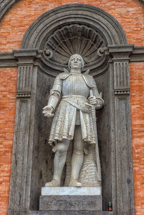 王宫的看法在那不勒斯-意大利 免版税库存图片