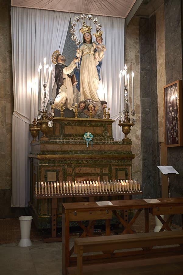 玛丹娜del罗萨里奥小孩e圣多梅尼科col教堂 图库摄影
