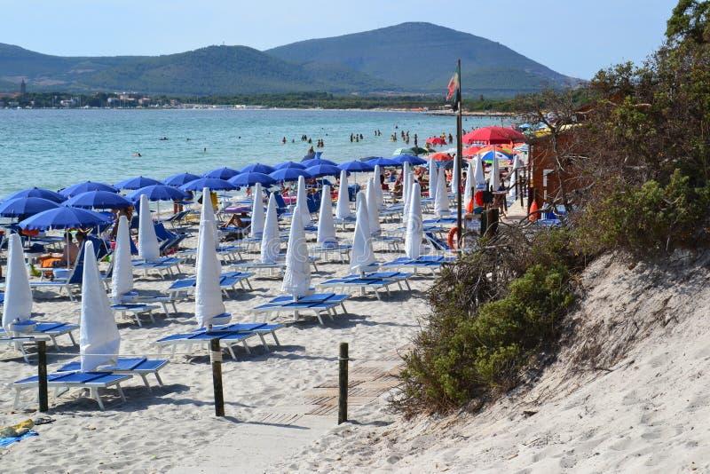 玛丽亚插入式放大器海滩在撒丁岛,意大利 免版税库存图片