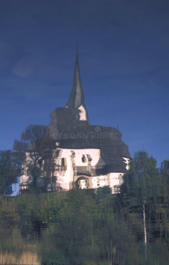 玛丽卡Bozja教会反射了入水 流血的斯洛文尼亚 免版税库存照片