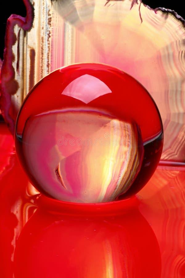 玛瑙球水晶片式 库存照片