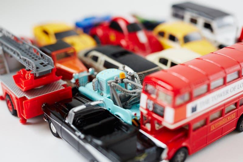 Download 玩具为 库存照片. 图片 包括有 快乐, 嬉戏, 子项, 黄色, 童年, 婴孩, 生活方式, 宏指令, 礼品 - 62528152