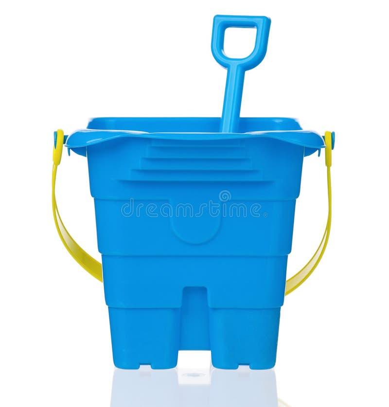 玩具桶和小铲 免版税库存图片