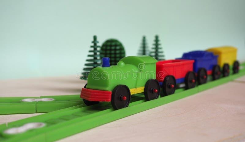 玩具火车和铁路 免版税库存照片