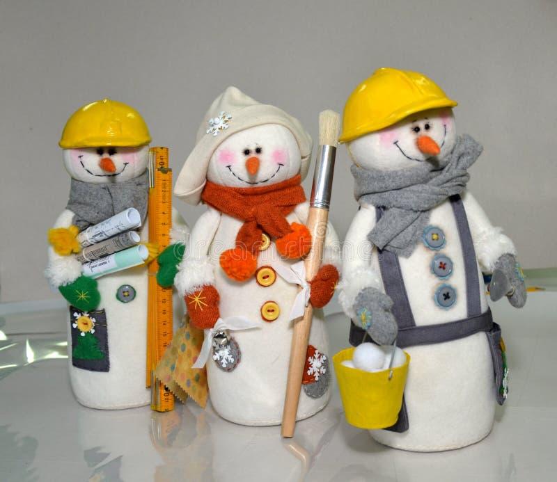 玩具用自己的手,工作,针线玩具用自己的手,工作,针线,冬天要人,创造性的方法,手工制造articl 免版税库存照片