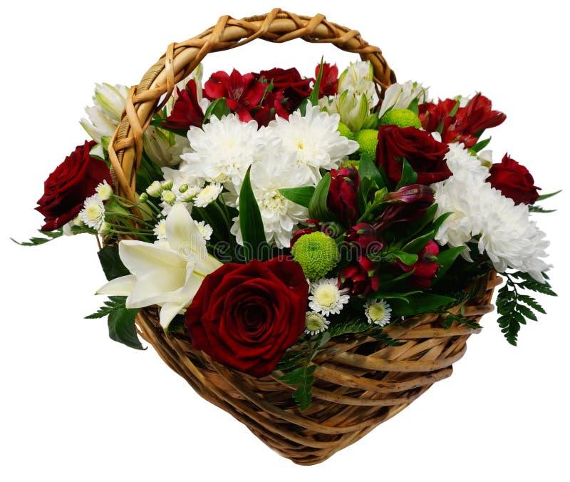 玫瑰菊花和百合篮子  免版税图库摄影