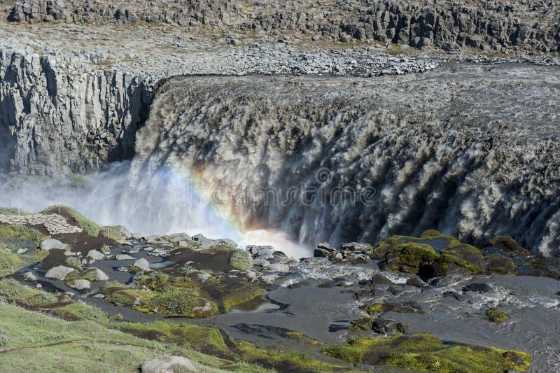 环境美化与与彩虹的巨大的黛提瀑布瀑布,冰岛 图库摄影