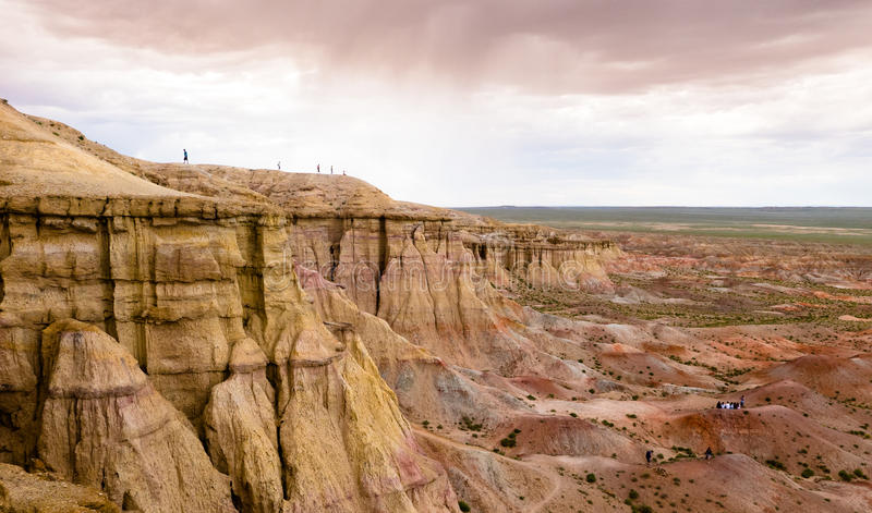 环境美化与峡谷在戈壁蒙古沙漠  库存图片