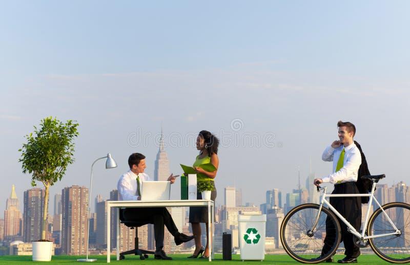 环境绿色办公室在城市 免版税图库摄影