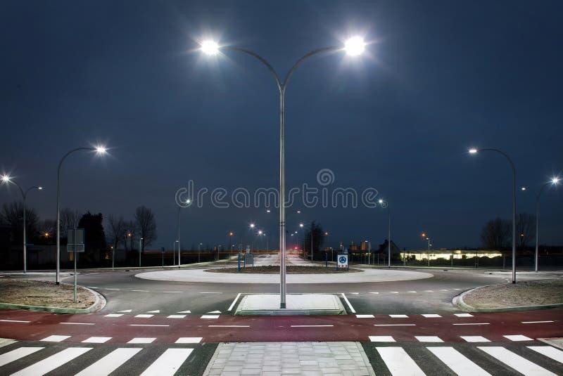 环形交通枢纽在晚上 图库摄影