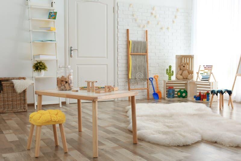 现代儿童居室内部设置 家的想法 免版税库存照片