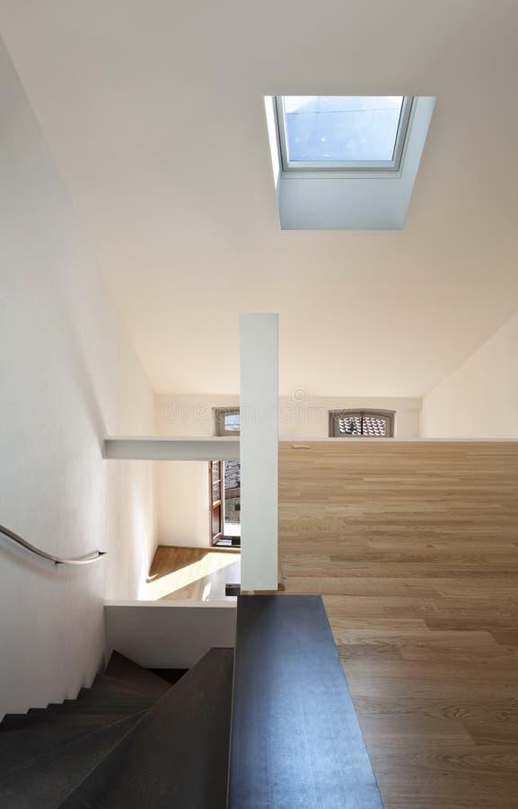 现代公寓美丽的双重的顶楼 免版税图库摄影