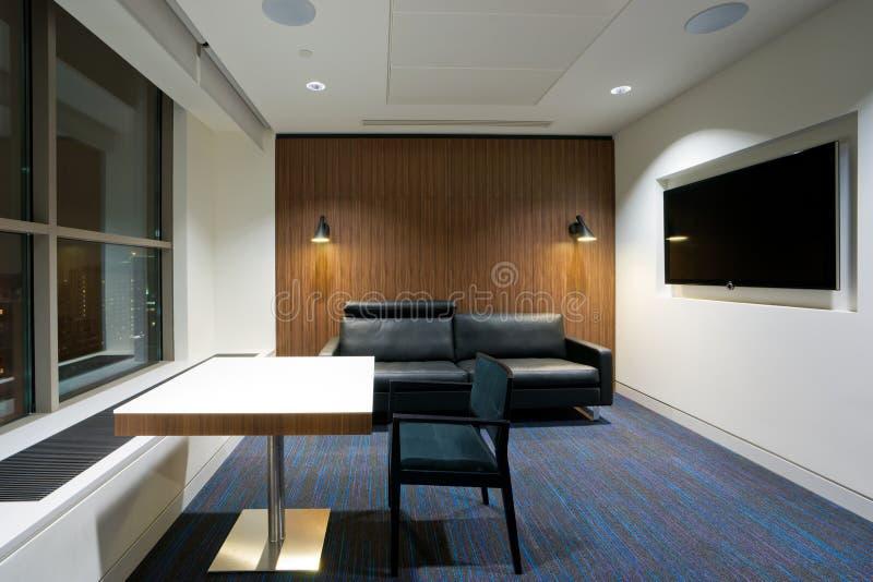 现代办公室内部,休息室 库存图片