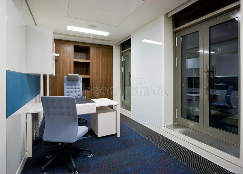 现代办公室内部 库存图片
