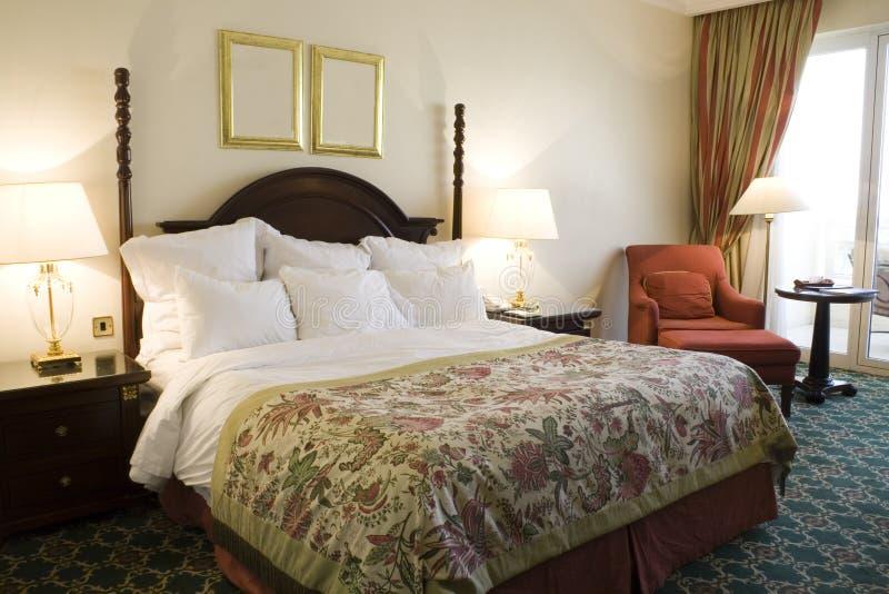 现代卧室的内部 免版税图库摄影