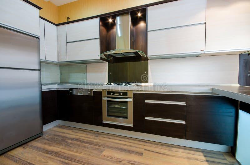 现代厨房内部  免版税图库摄影
