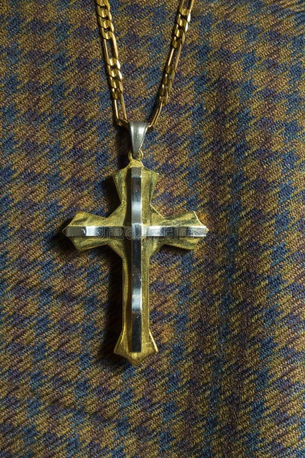 现代基督徒十字架由钢制成 免版税库存图片