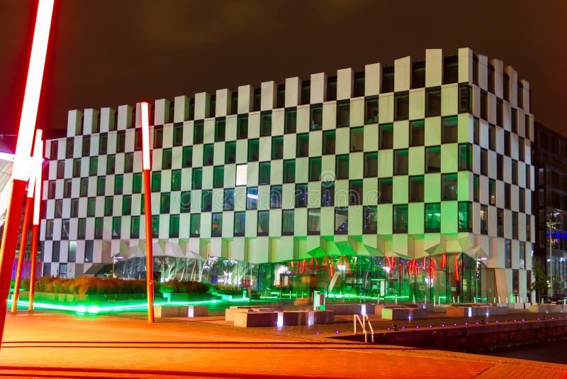 现代大厦在晚上。 都伯林。 爱尔兰 免版税图库摄影