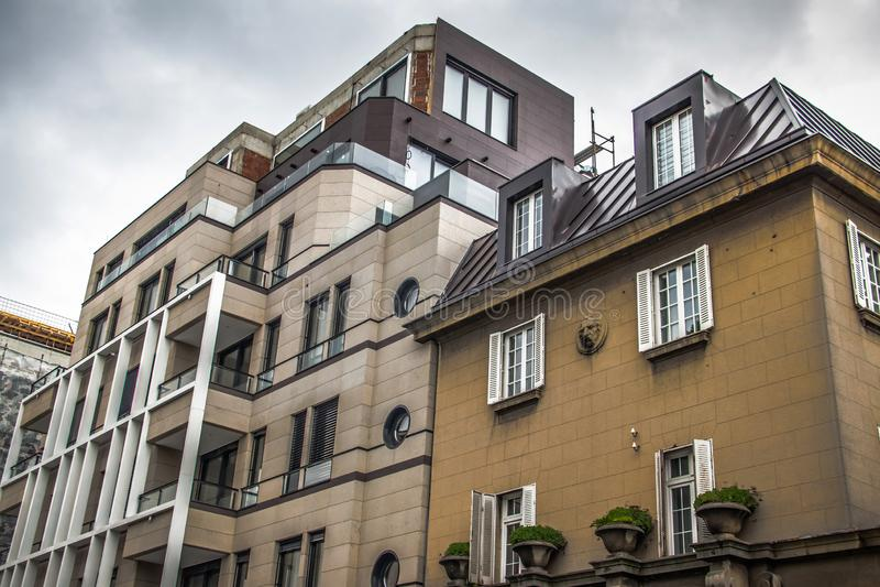 现代大厦设计建筑学,全新的公寓,不动产 库存照片