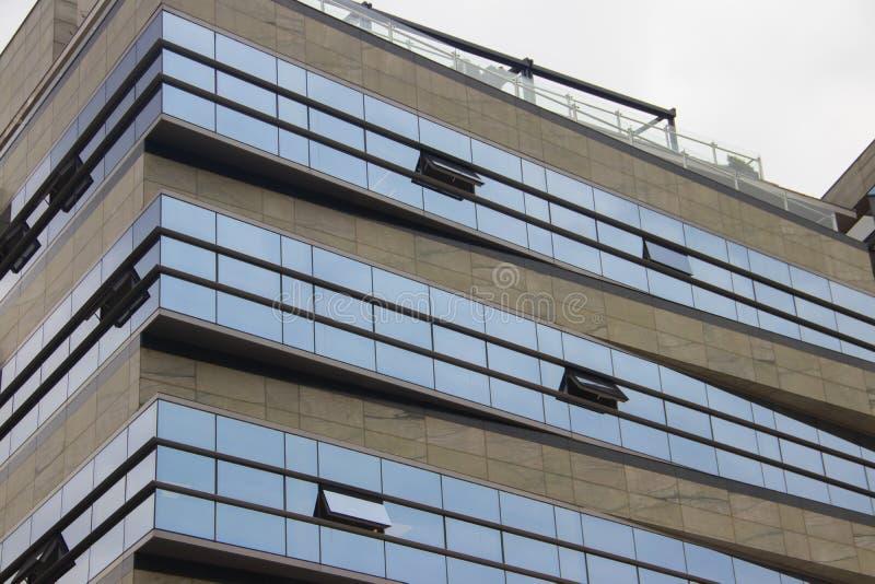 现代大厦设计建筑学,全新的公寓,不动产 库存图片