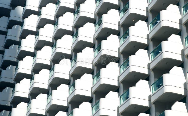 现代大厦门面的,建筑学背景玻璃阳台 免版税图库摄影