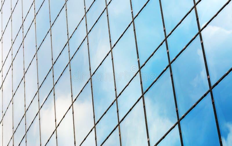 现代大厦Windows  免版税库存照片