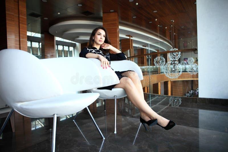 现代女商人在有拷贝空间的办公室 免版税库存照片