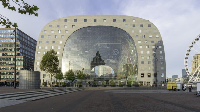 现代市场购物中心在鹿特丹 免版税库存照片