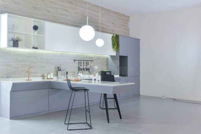 现代开放厨房 库存照片