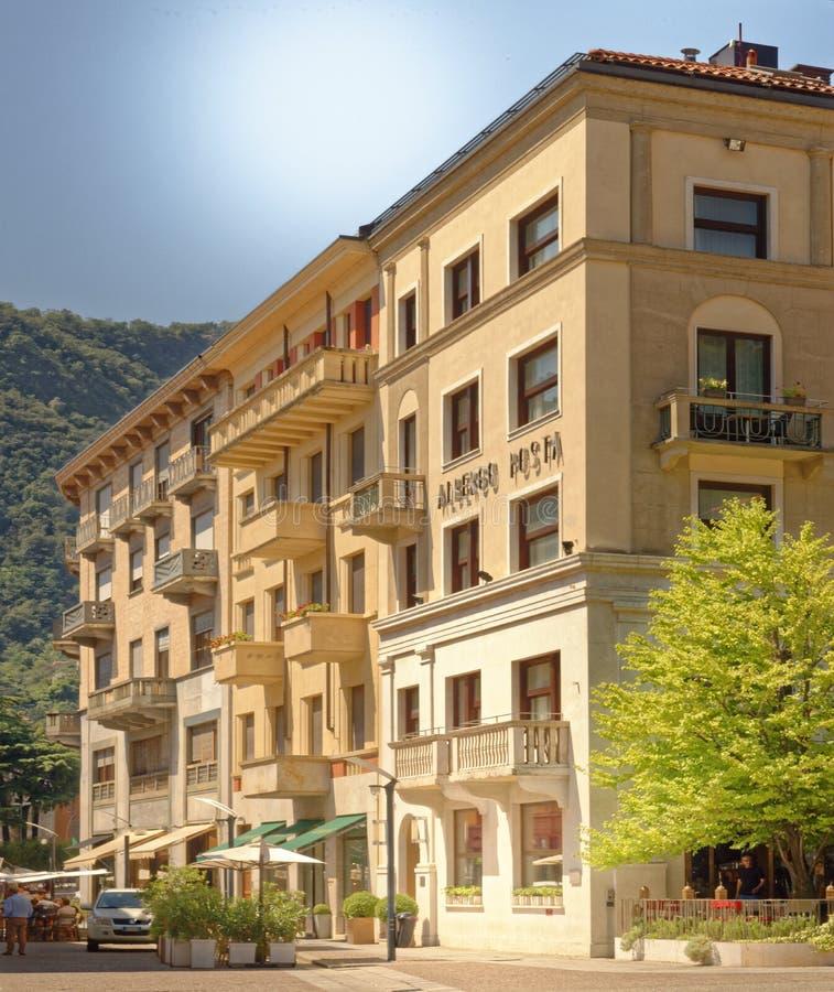 现代意大利公寓在科莫,伦巴第,意大利 图库摄影