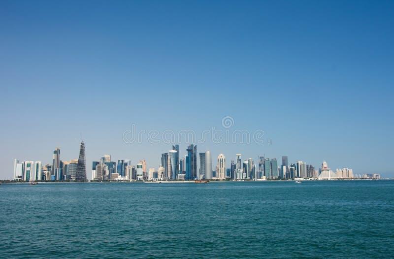 现代摩天大楼全景在多哈,卡塔尔 免版税库存照片