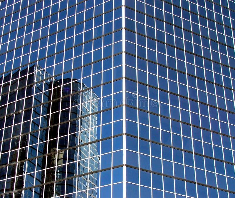现代摩天大楼反映 免版税库存图片