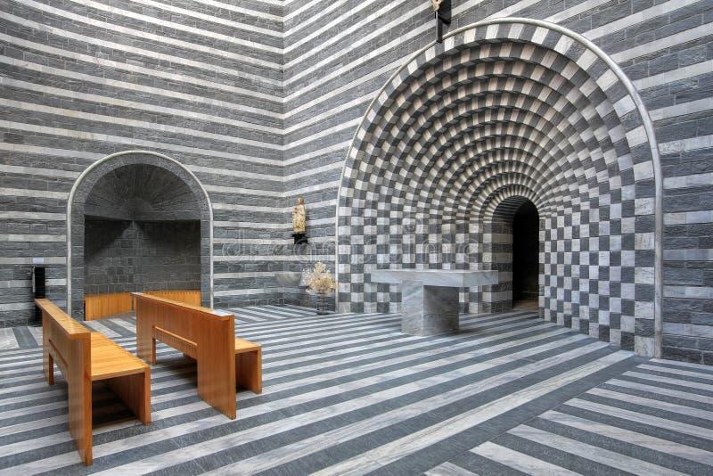 现代教会内部 免版税库存照片