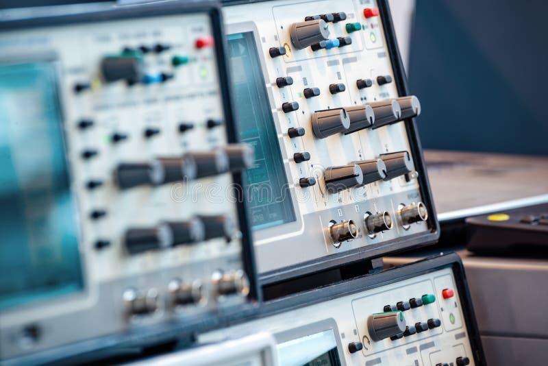 现代数字式测量仪器 高频率设备 免版税图库摄影