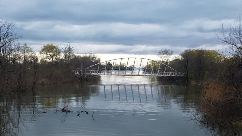 现代河桥梁在加拿大 免版税库存照片
