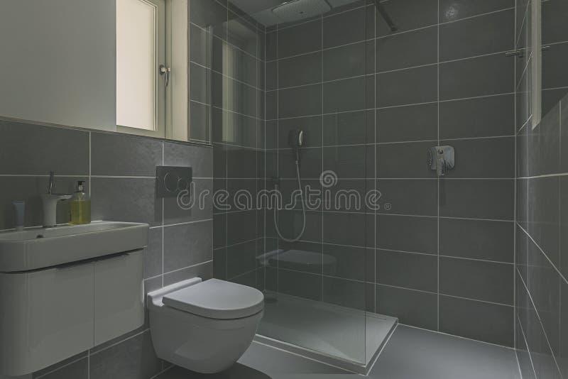 现代浴室 库存照片