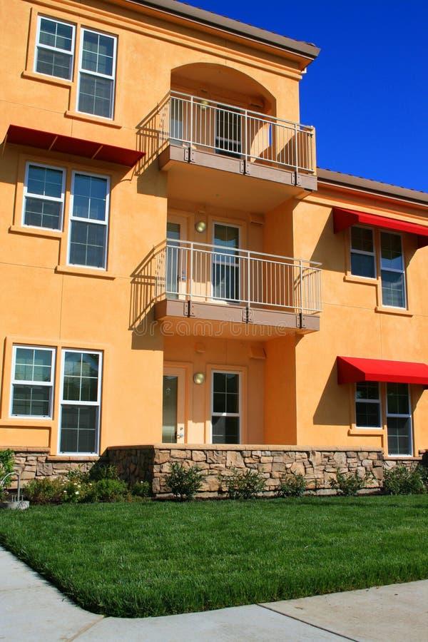 现代的公寓住宅区 免版税库存图片