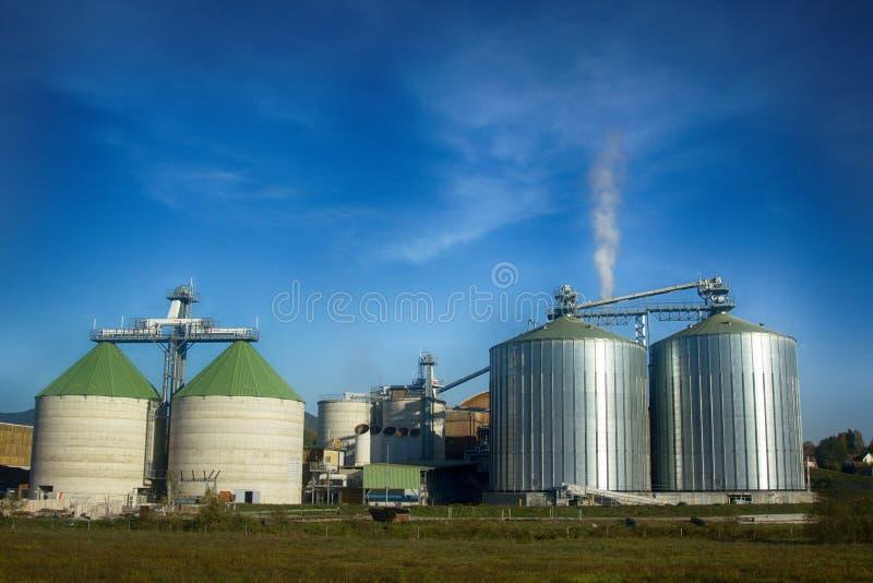 现代的粮仓 库存照片
