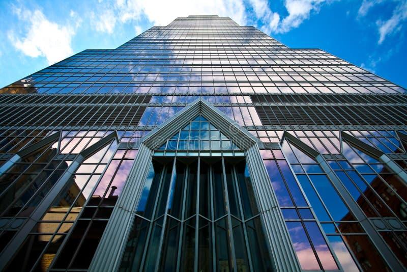 现代的银行大楼 免版税库存图片