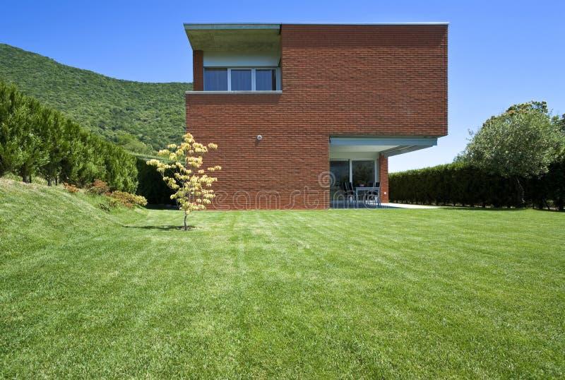 现代砖的房子 免版税库存图片