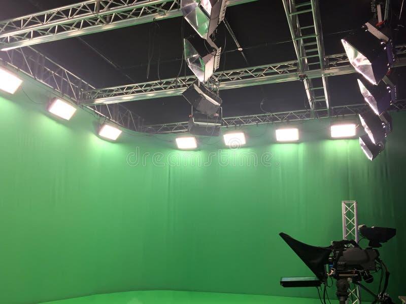 现代空的绿色录影 库存照片