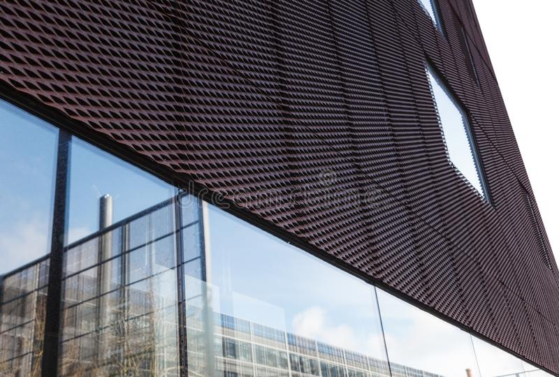 现代结构和门面-建筑学在南特-法国的  库存照片
