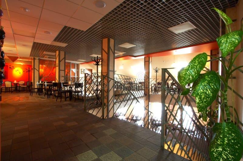 现代美丽的咖啡馆 免版税图库摄影