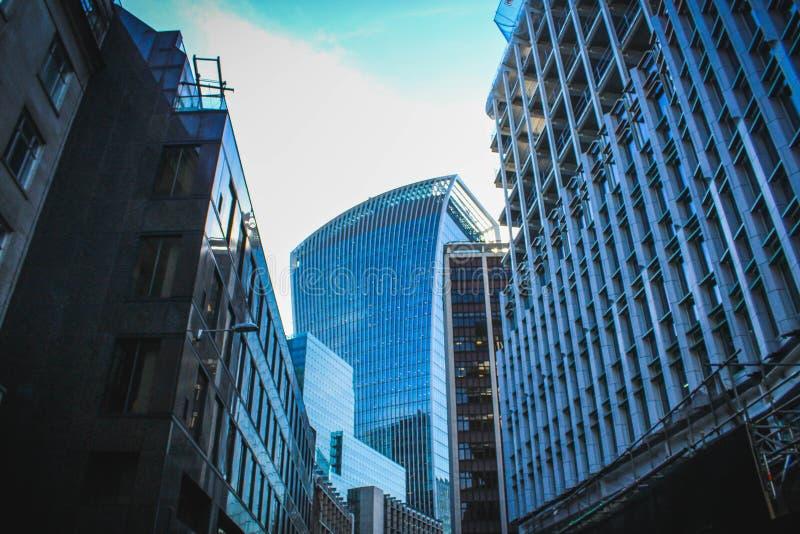 现代美丽的大厦在伦敦 库存图片