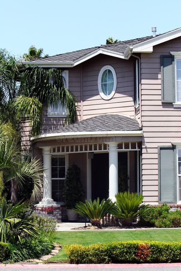 现代美丽的房子 免版税库存照片