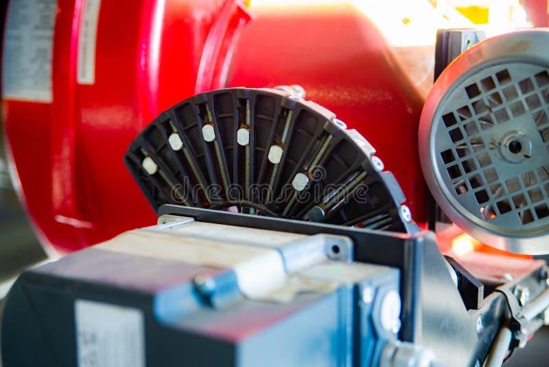 现代锅炉室设备-大功率锅炉燃烧器 bohr 库存图片