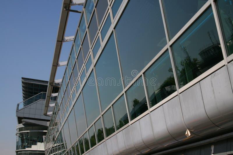 现代1块建筑的玻璃 图库摄影