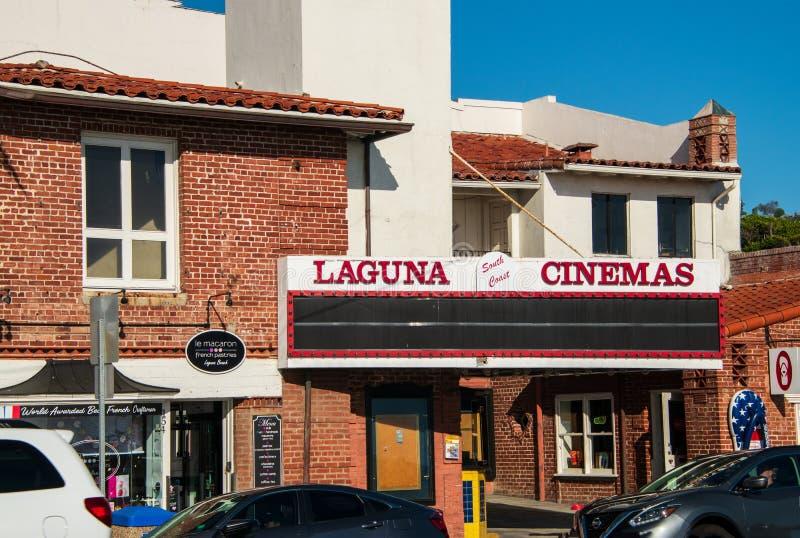 现在闭合的拉古纳南海岸戏院的大门罩 图库摄影