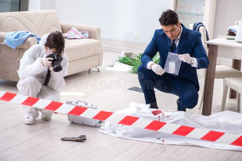 现场办公室罪行的辩论术调查员  免版税库存照片