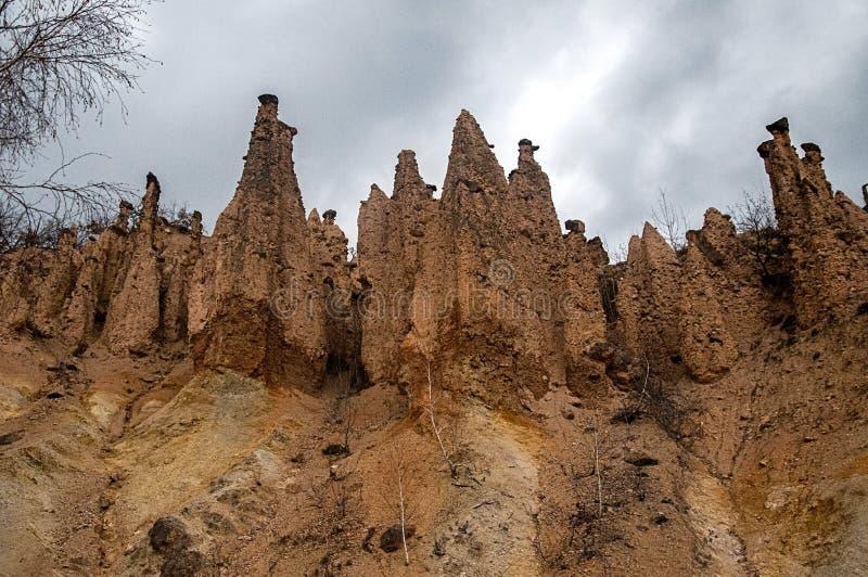 从现实的意想不到的岩石墙壁 库存图片